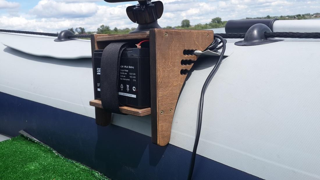 Столик для эхолота в ПВХ лодку
